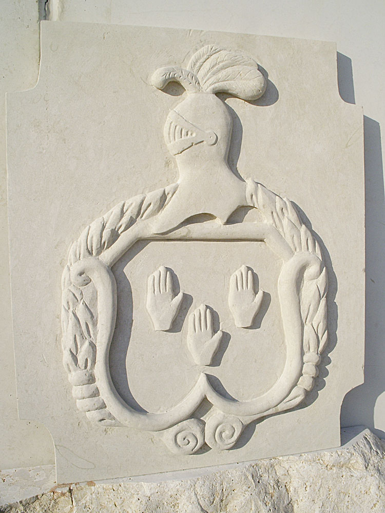 Escudos de piedra