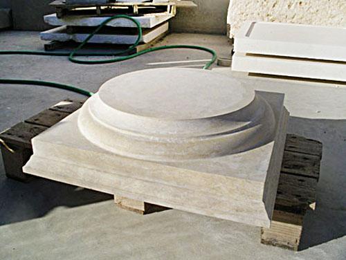 capitel de piedra para restauración del claustro de la Nau