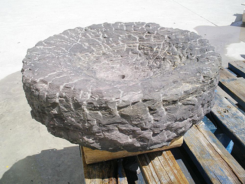 quemador rústico de piedra