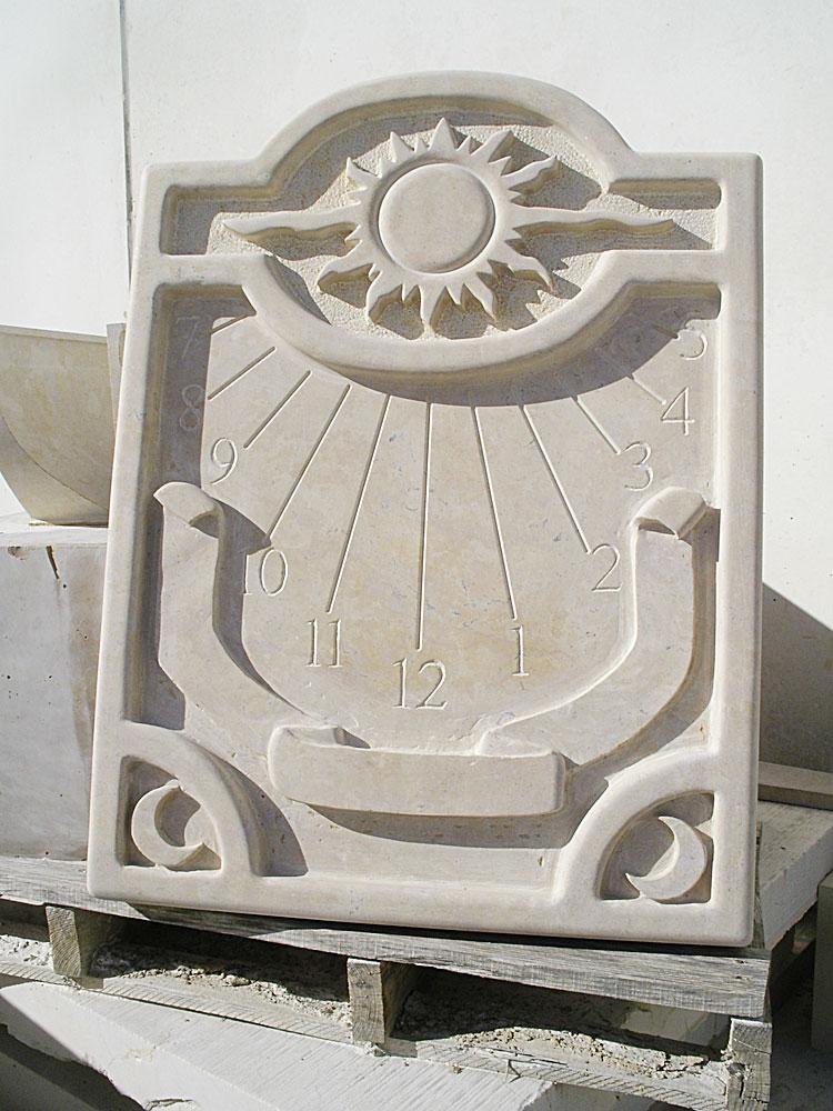 Relojes de sol de piedra crema