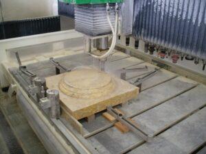 las fresadoras son probablemente las más versátiles de la maquinaria para piedra