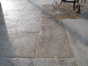 piedra envejecida para uso de pavimento en exterior
