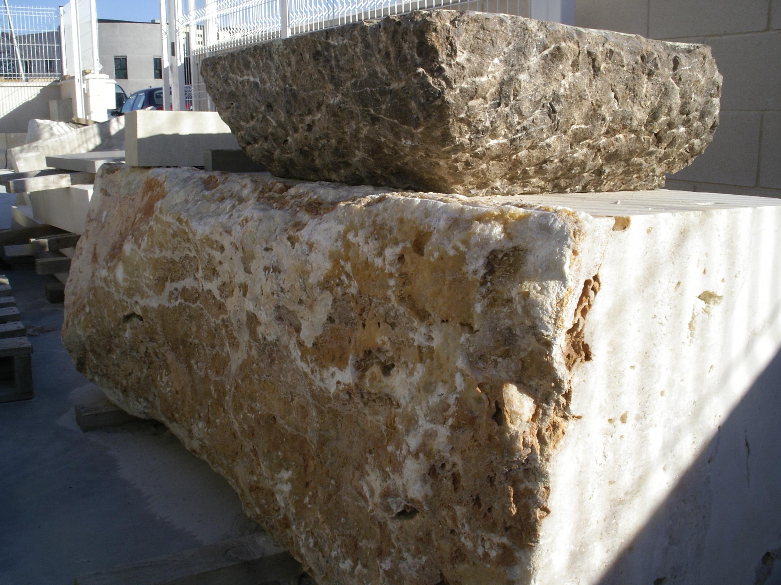 La piedra natural como materia prima en torregris - Como colocar piedra natural ...