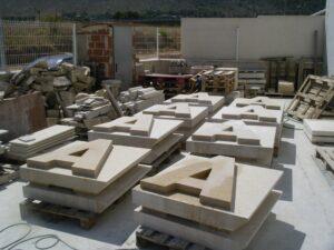 letras en piedra paletizadas
