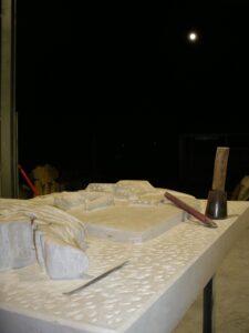 taller de escultura de noche