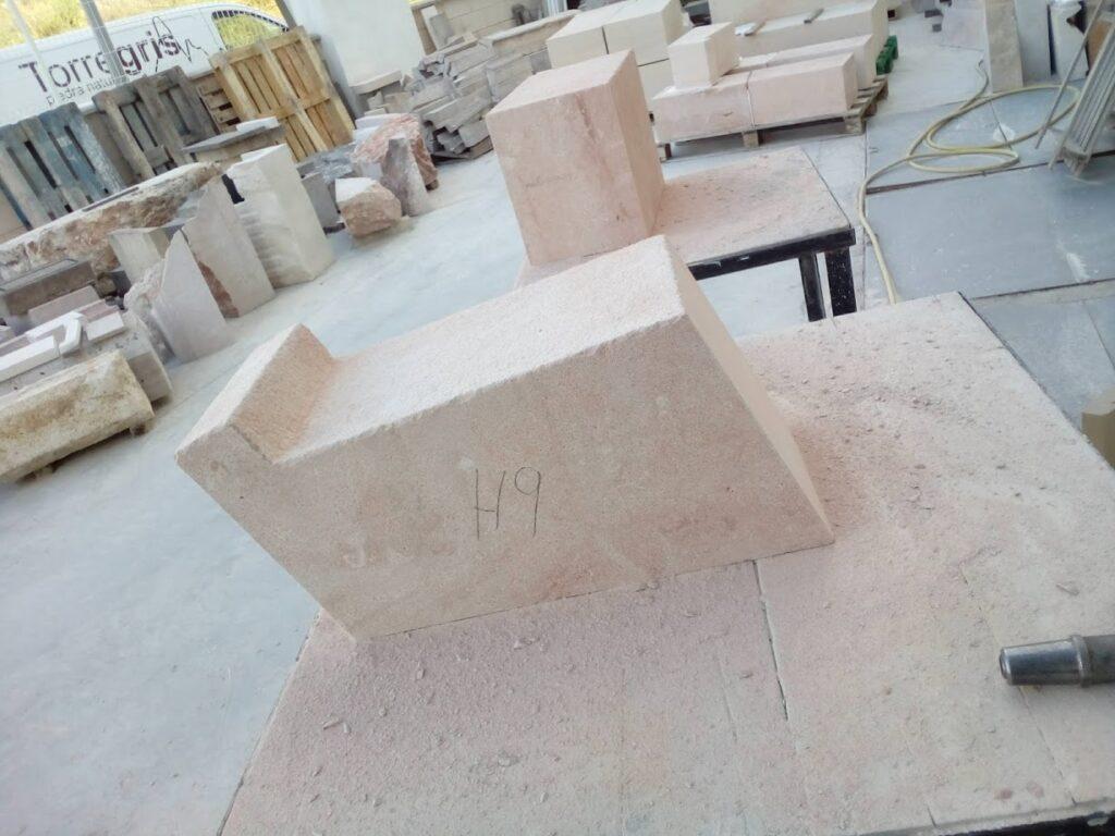 sillares en muros. Piezas clave de la cantería